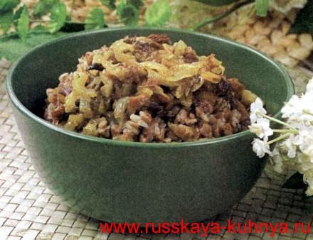 Каша гречневая с сушеными белыми грибами